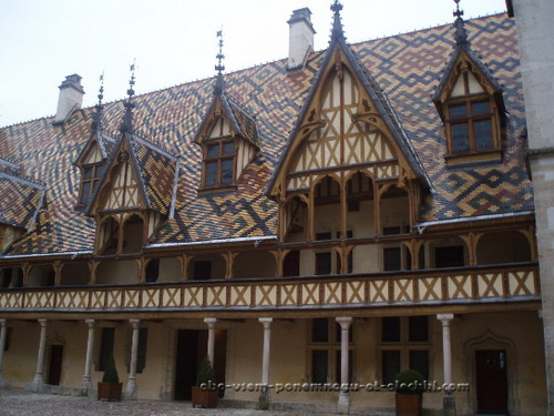 Франция. Хоспис Бона (Hospices de Beaune).